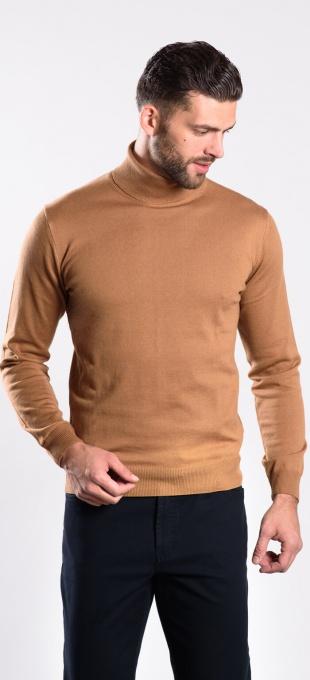 Brown cotton turtleneck