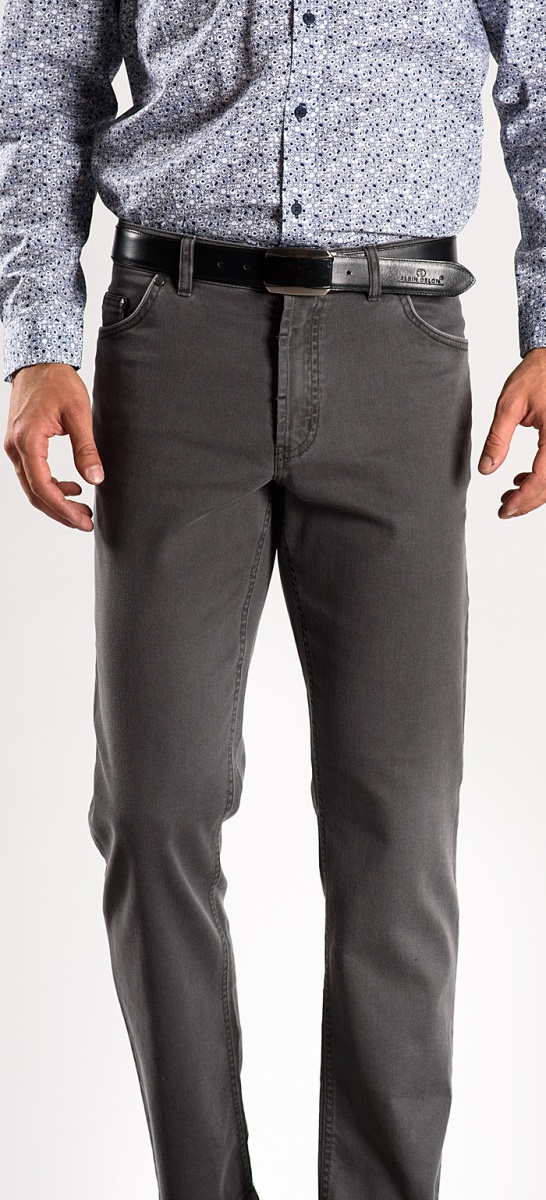 Grey causal trousers